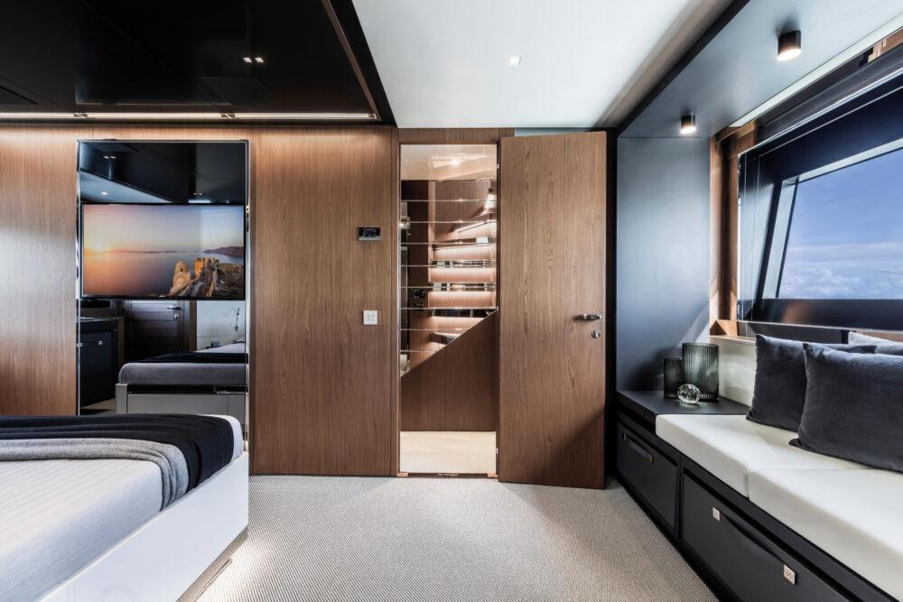 Riva 90 Argo_ Vip cabin 2 2k