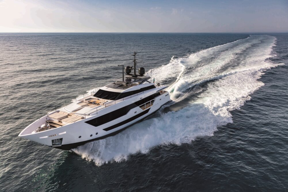 CustomLine106'NewCruising_0003_39590