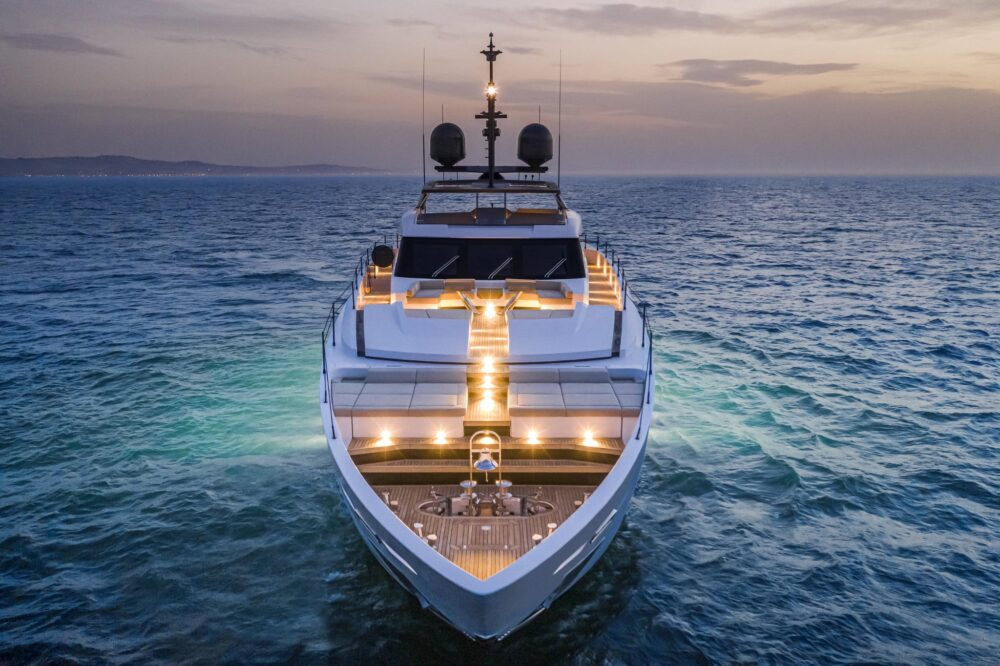 CustomLine106'NewCruising_0010_39742