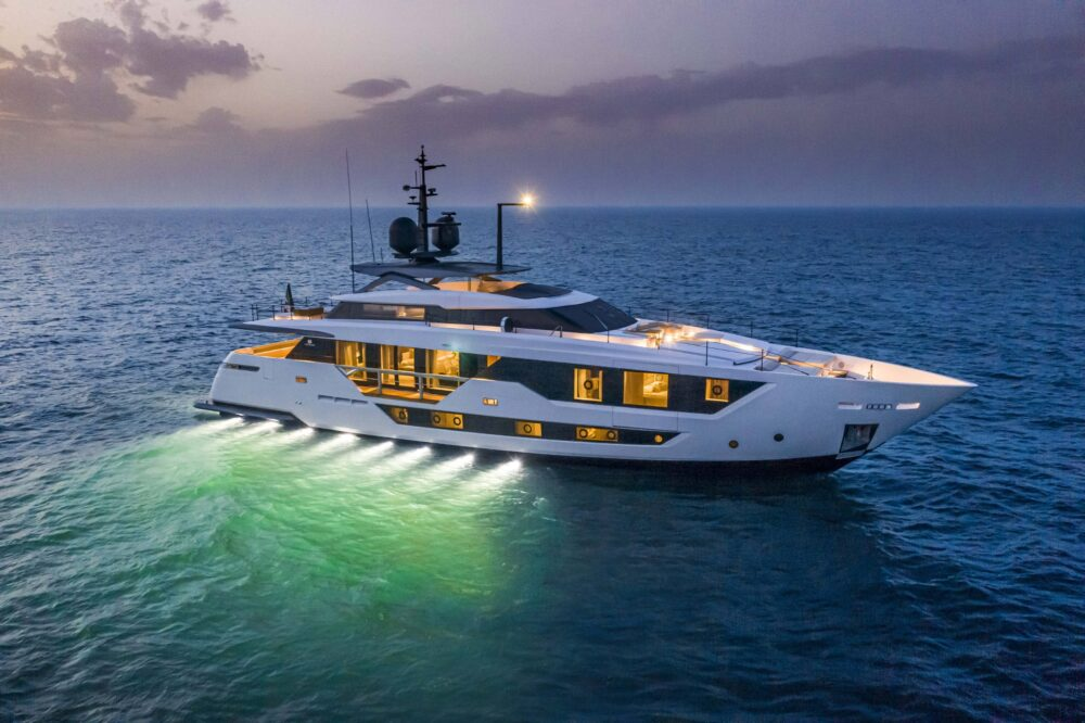 CustomLine106'NewCruising_0013_39745