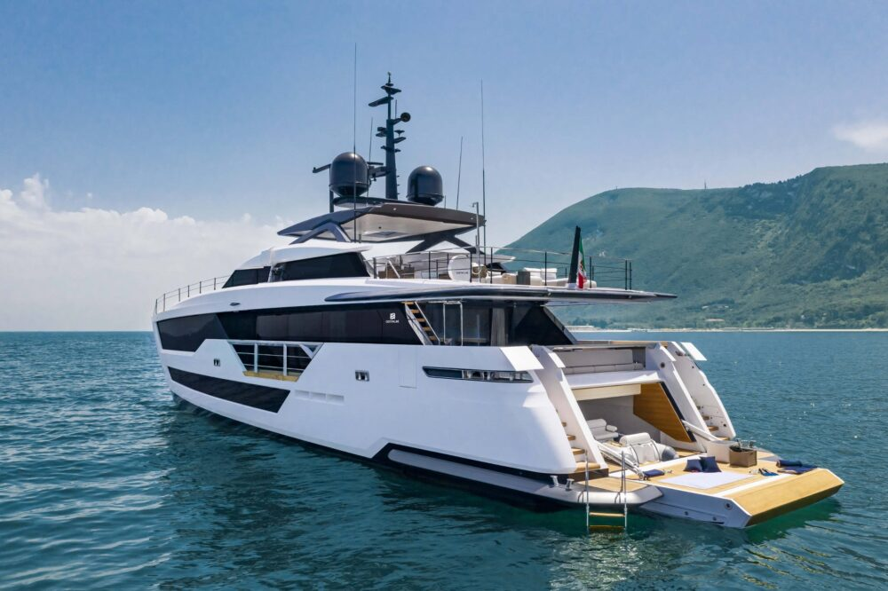 CustomLine106'NewCruising_0014_39746