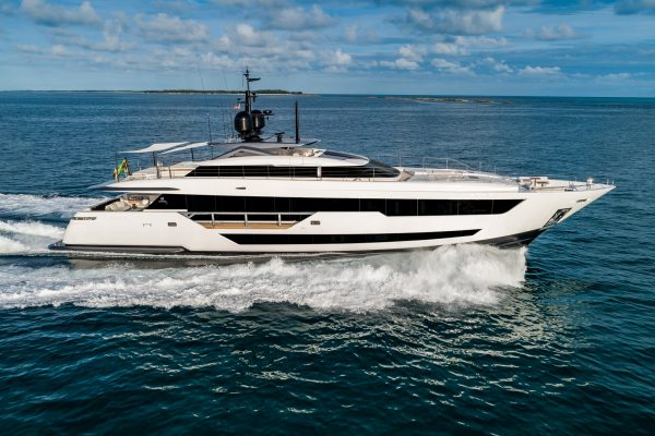 CustomLine120'NewCruising_0002_31819
