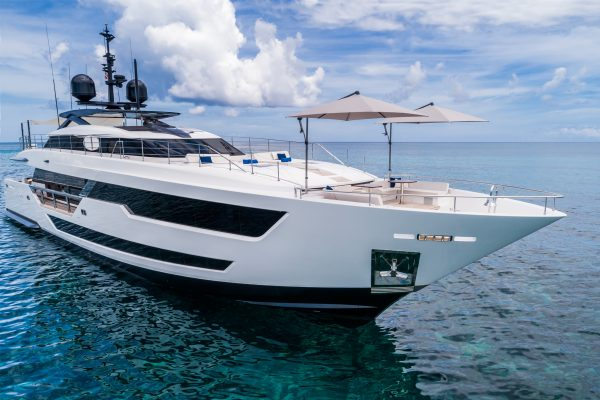 CustomLine120'NewCruising_0006_31823