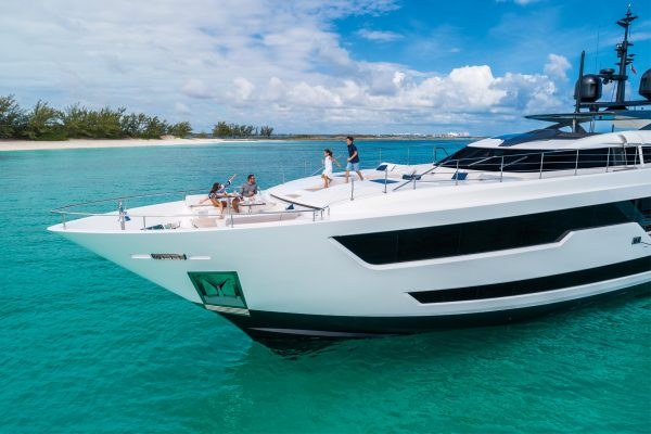 CustomLine120'NewCruising_0034_31851