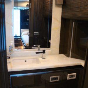 twincab bathroom 780h4