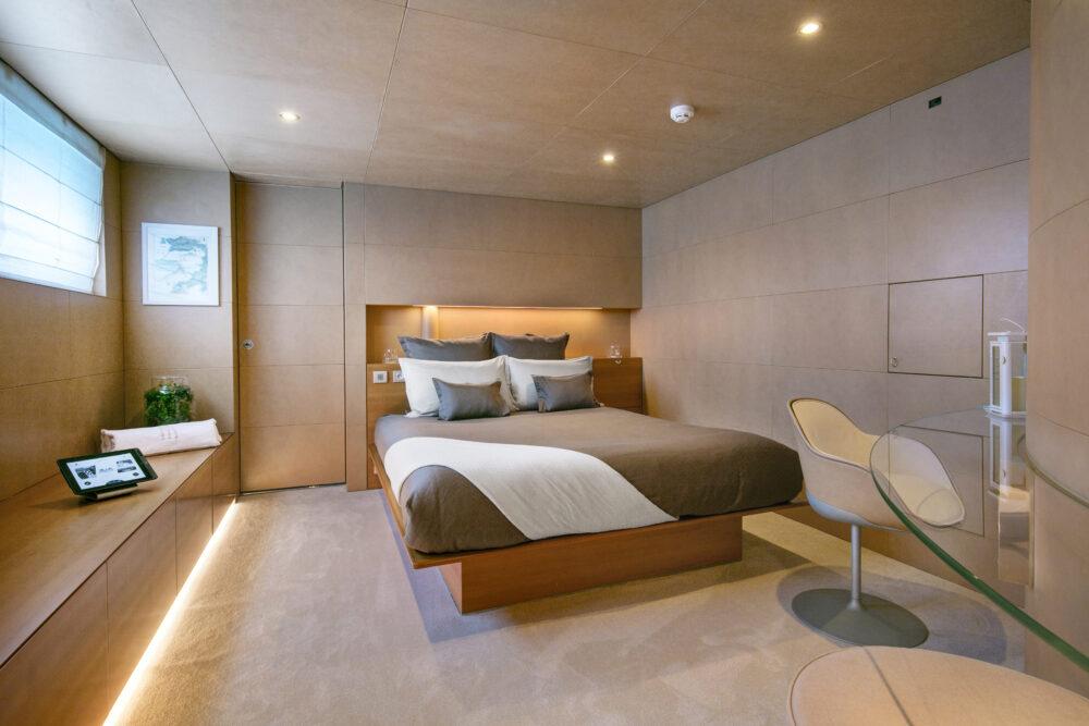 BM Double cabin 1