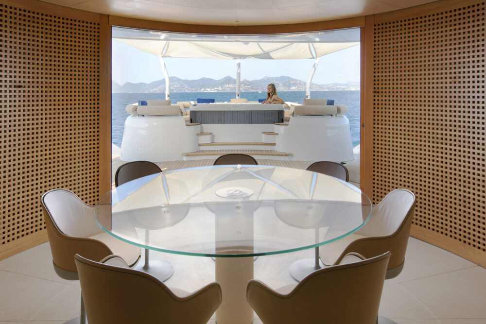 BM interior dinning table main deck