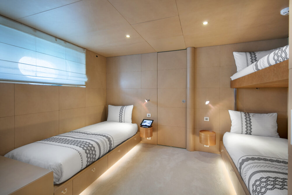 BM twin cabin + pullman bed