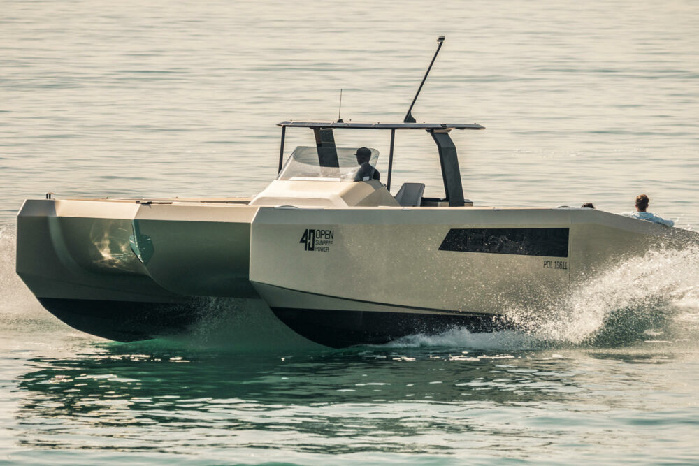 sunreef-yachts-40-open-sunreef-exterior-01